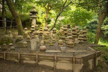 Старинные могильные памятники