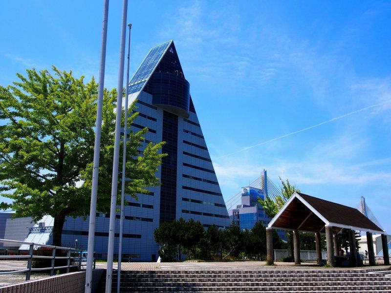 <p>The A-shaped Aomori Prefecture Tourist Center ASPAM</p>