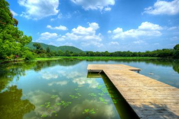 <p>One of the lakes in the&nbsp;Arashiyama area</p>