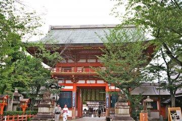 <p>八坂神社</p>