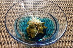 新芽と味噌の和え物。これもまた、季節感を感じる一品。