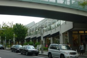 The extensive and elegant Hoshigaoka shopping complex