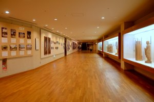Exhibition along the 150munderground passageway