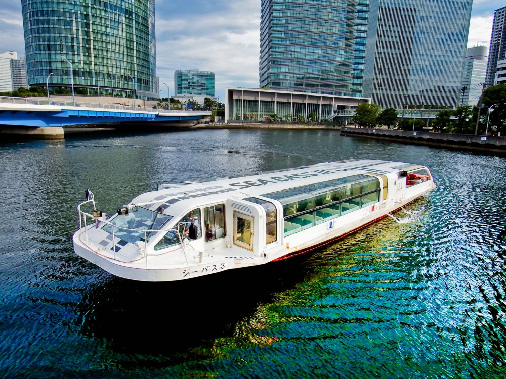 A departing 'Sea Bass' about to start its scenic route. From Yokohama station's eastern departure point you can go all the way to Yamashita Park. Depending on your destination, a one way journey costs from around 300-700 yen. There are regular departures about every 15 minutes