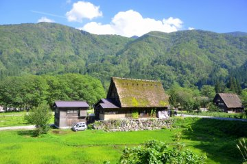 <p>Gassho-zukuri (a traditional building style) farmhouse&nbsp;</p>