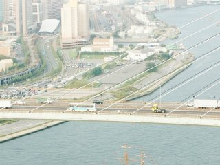 Pemandangan sungai Aji-gawa dan kawasan Tempozan, Osaka.