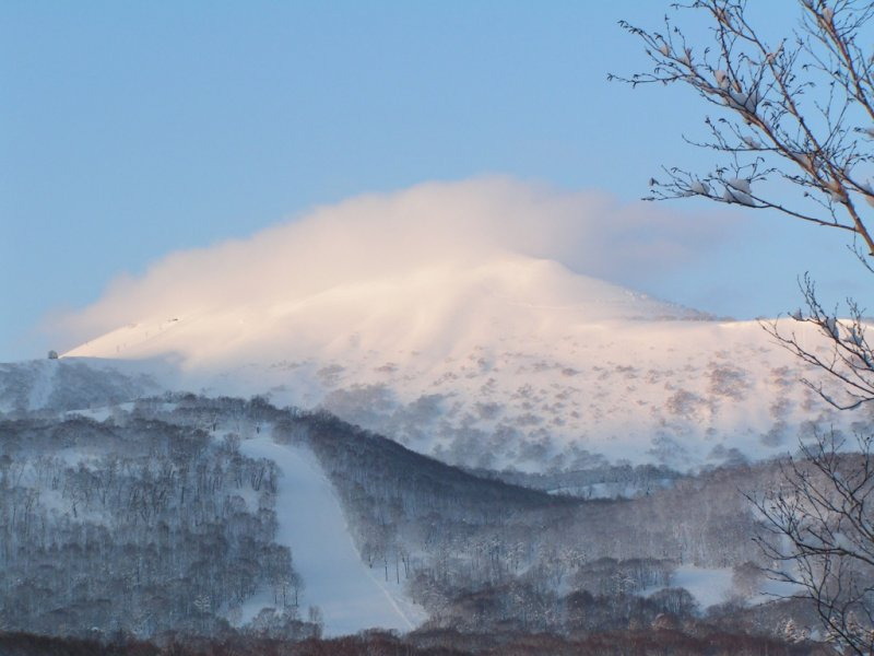 <p>Mount Annupuri showing off in the morning</p>