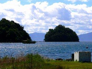 Những hòn đảo trong cảng