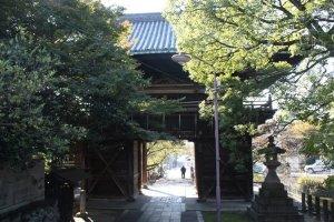 Kasadera kannons' ancient gate.