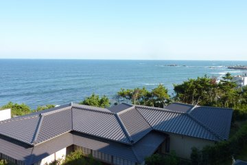 <p>The view from our balcony: the Pacific Ocean!&nbsp;</p>