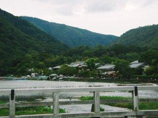 Vue sur le mont Arashiyama depuis Togetsukyo