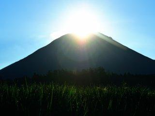 วิวที่แสนงามของภูเขาไดเซ็น ไม่ต้องสงสัยเลยว่าทำไมผู้คนเคยมีความเชื่อว่าเทพเจ้าอาศัยอยู่ที่นี่