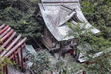 As you make your way up among the various shrines, the colors change and begin to appear more weathered over time.