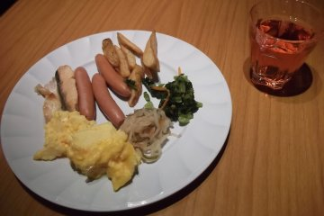 <p>My first sortie at the breakfast buffet</p>