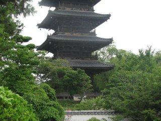 Bitchu Kokubunji standing tall and strong amongst the trees