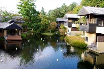 Hoshinoya Karuizawa, Rooms & Grounds