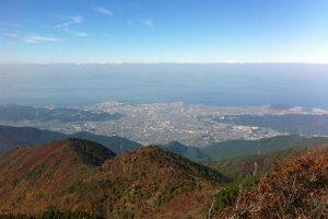 Pemandangan kota Niihama dari dekat Dozangoe (puncak tambang tembaga)