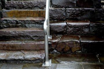 <p>Modern-sized steps versus 16th century sized steps</p>