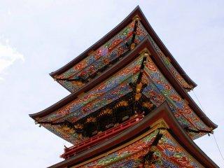 Pagoda tiga tingkat yang indah