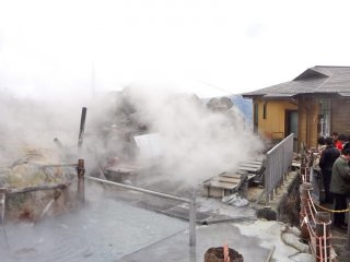 This hot spring water is used to boil the black-shelled eggs.