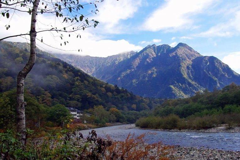 เส้นทางเดินป่าสระ Taisho-ike ในคะมิโคะชิ