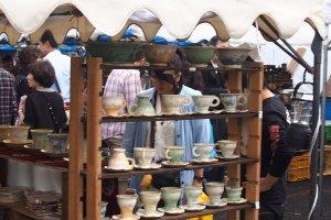 Stalls at Mashikopottery fair