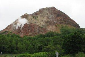 Showa-Shinzan volcano—note the smoke!