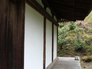 本堂北側の回廊