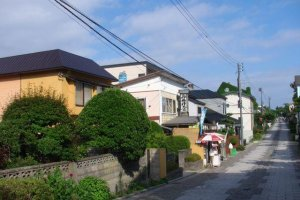 Motomatchi streets are perfectly designed for meandering