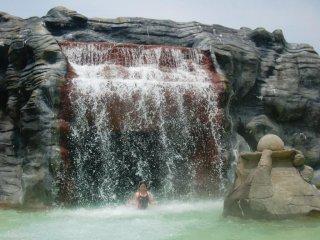 La cascade du dragon et sa piscine