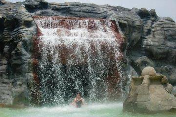 Le Parc Aquatique Yunessun d'Hakone