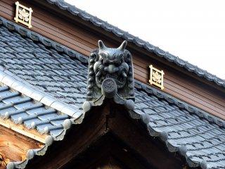 Fearsome but beautiful Oni-gawara (roof tile Oni)