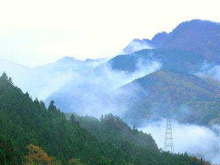 It was drizzling when I visited, and the mist was covering the mountain ridges