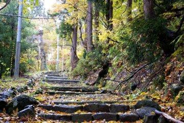 Тропа Нанамагари, которая прекрасно сохранилась с древности и до наших дней