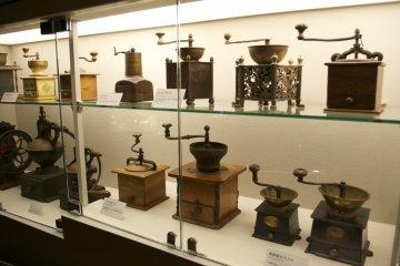 <p>Coffee grinders</p>
