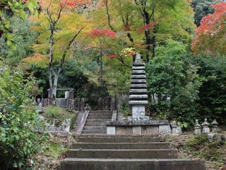 香道の創始者である「三条西家」もここを菩提寺にしている