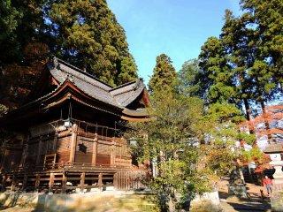 화창한 가을날 오카후토 신사 기도실