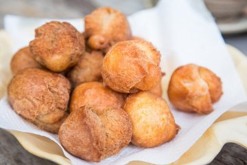 <p>Okinawan fried donuts. A comfort food, guaranteed to relieve stress</p>