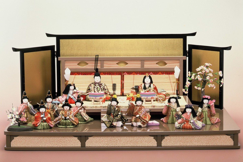 Edo Kimekomi Ningyo (Wood and Cloth Dolls)