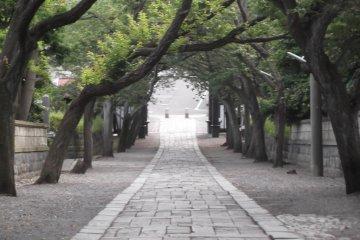 Entrance to Yugyoji