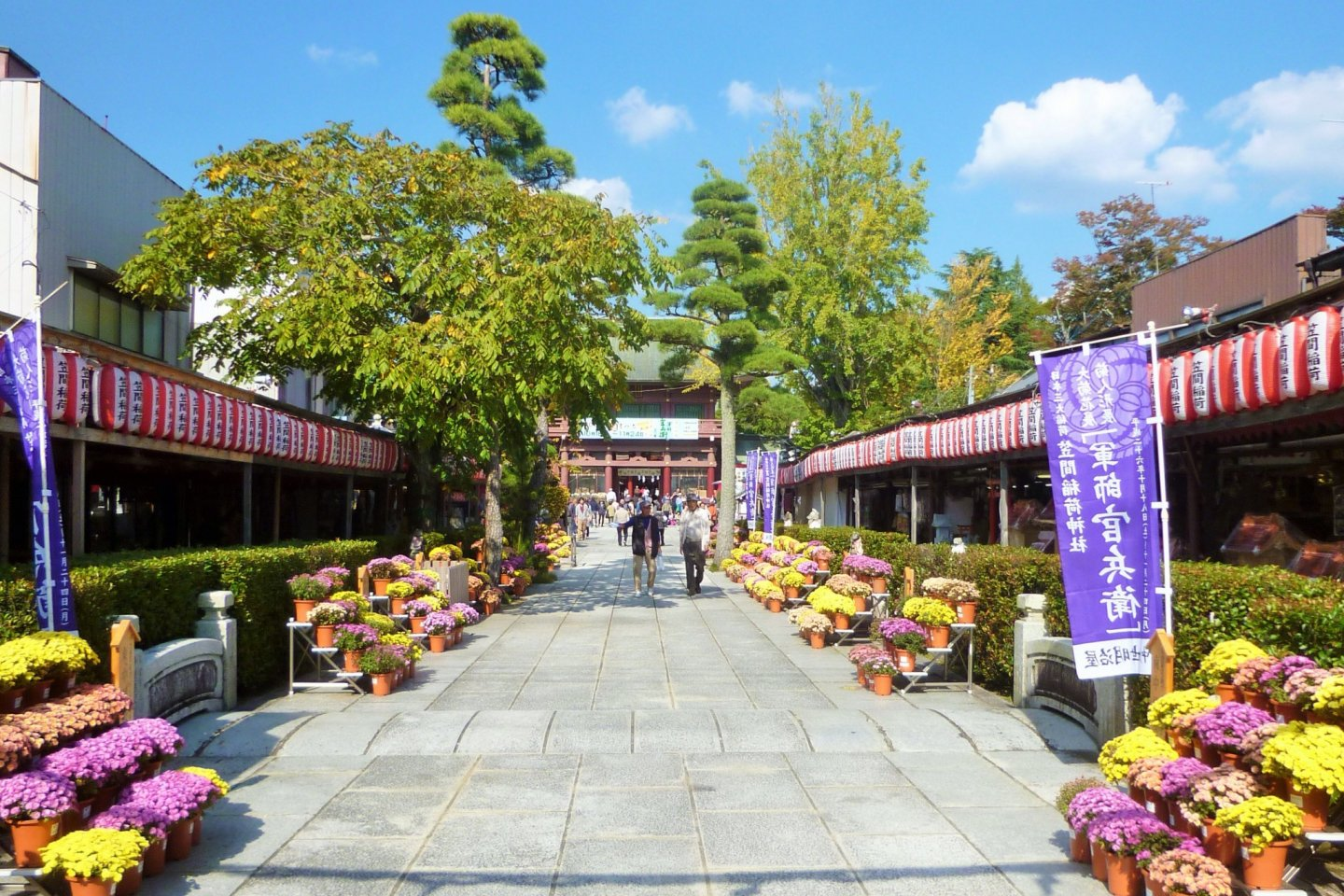 The front entrance to the shrine is lined with souvenir shops.