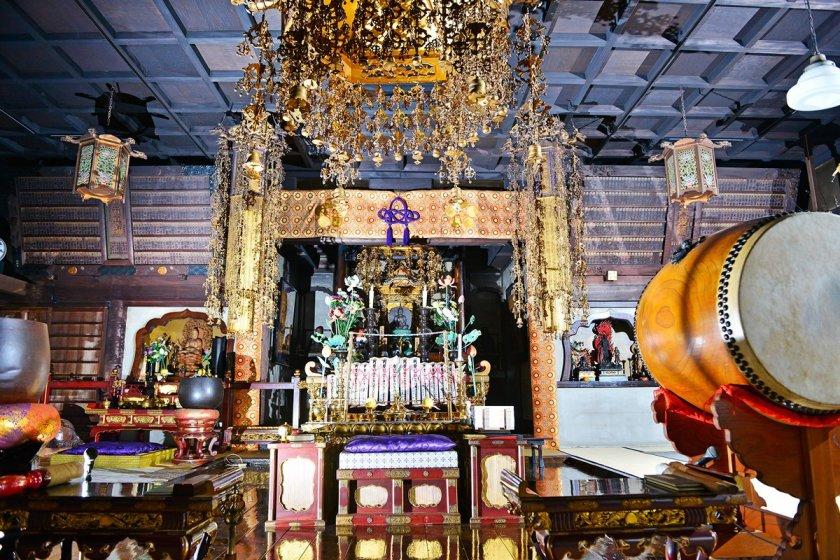 Arai Yakushi Baishoin Temple is an anchor of the Nakano community