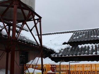 雪が降る冬の時季が清酒造りには最適である