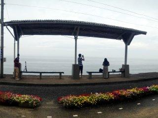 Pemandangan panorama stasiun Shimonada