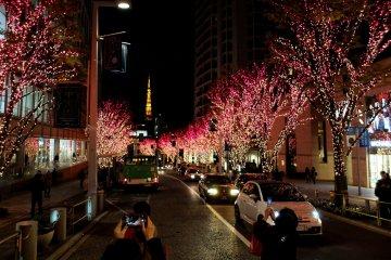 Iluminasi di Tengah Kota Roppongi