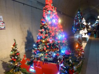 About 150 meters of the tunnel are dedicated to the Christmas display