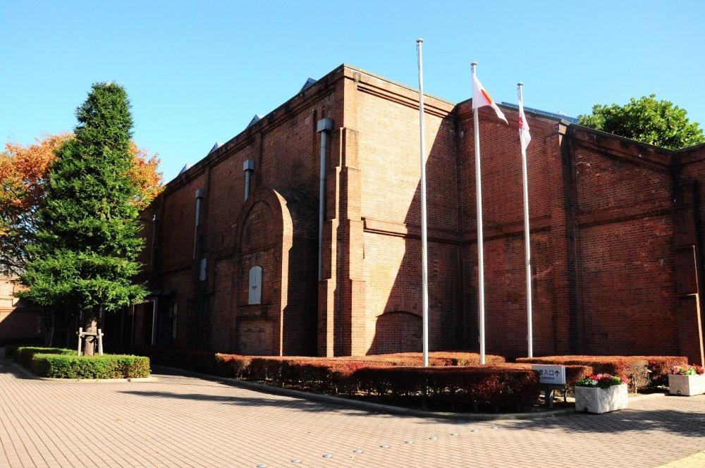 Batu bata merah yang menjadi daya tarikToyota Techno Museum