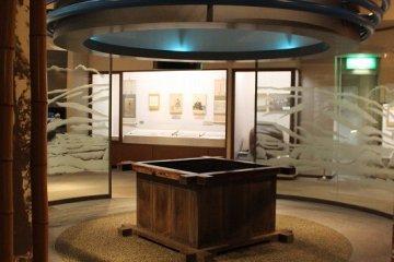 오야마자키쵸의 고대부터 중세, 근세를 중심으로 자료가 전시되고 있다