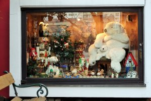 Window showcasing Bukowski bears and German Christmas items