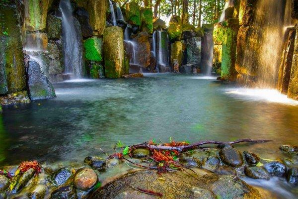 The beautiful waterfalls in their morning glow